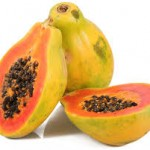 Masque de fruit à la papaye : riche en antioxydants et contient une enzyme, la papaïne qui débarrasse la peau des cellules mortes et la nettoie des impuretés