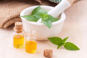 Santé&beauté.fr Utiliser les huiles essentielles pour méditer La nature nous offre ses bienfaits : les huiles essentielles